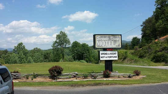 Scenic View Motel: sign