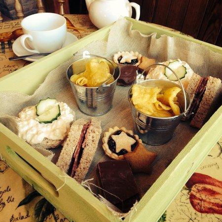 Ormskirk, UK: Sweet treats and amazing cakes!