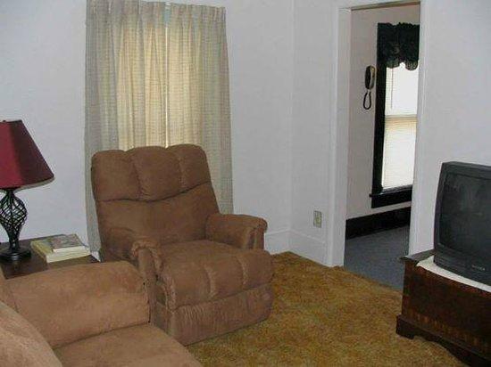 The Elite Suites: The Kansas Suites Living Room