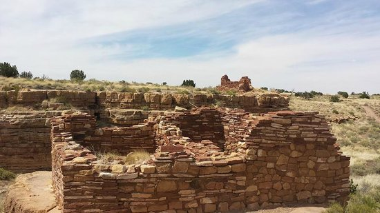 Sunset Crater Volcano National Monument: Wupatki Pueblo Ruins