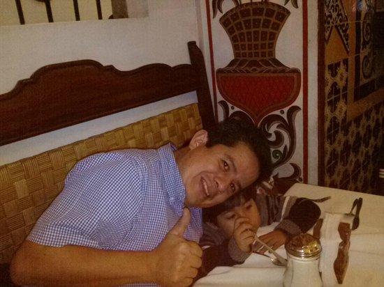 Cafe de Tacuba : El ambiente super colonial