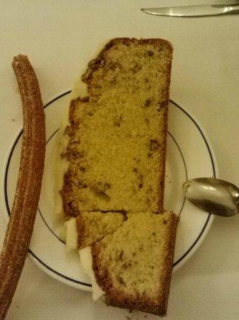 Cafe de Tacuba : El panqué de nuez y los churros Ufffffff!!!