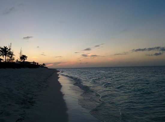 Atlantic Ocean Beach Villas: Sunset toward Turtle Cove