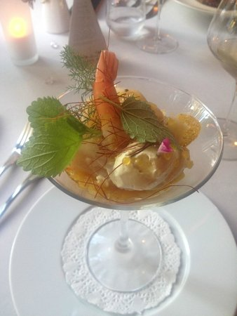 Lou Cigalon: scallop and prawn starter