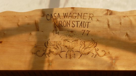 Hotel Casa Wagner: architrave