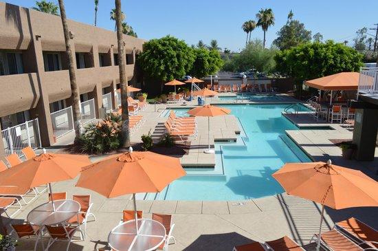 Zwembad 3 Palms hotel