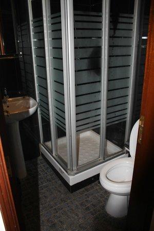 Pensao Residencial Norte: salle de bain