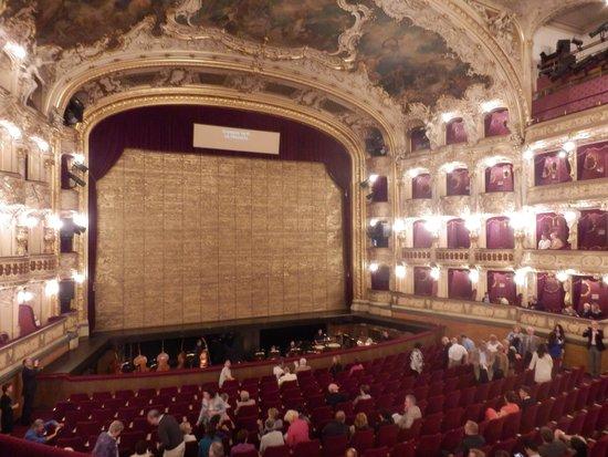 State Opera : プラハ国立歌劇場