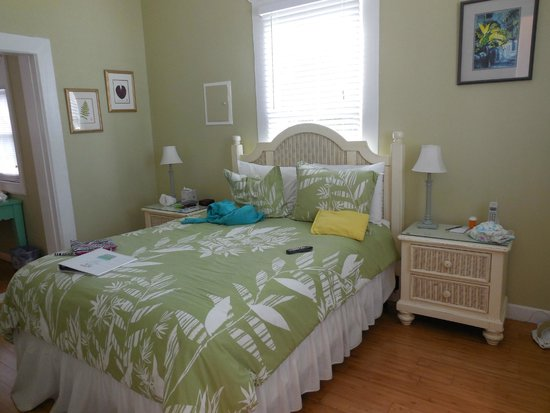 Ambrosia Key West Tropical Lodging: Our messy but comfy room, modern furnishings