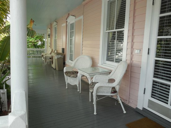 Ambrosia Key West Tropical Lodging: upper side porch