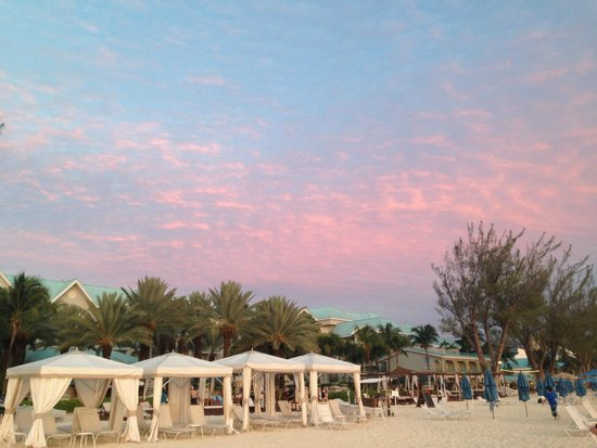The Westin Grand Cayman Seven Mile Beach Resort & Spa : Sunset sky over the Westin