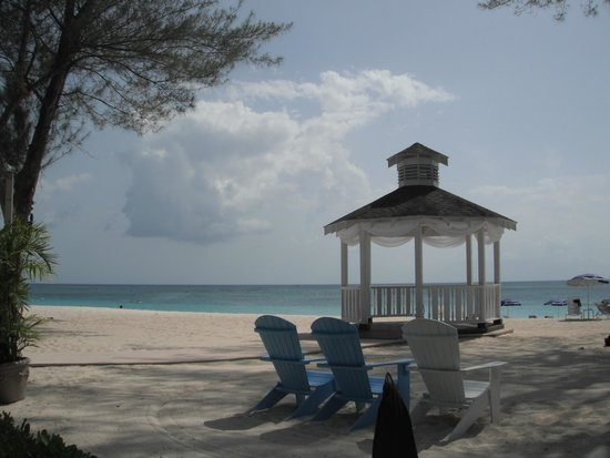 The Westin Grand Cayman Seven Mile Beach Resort & Spa: Gazebo on beach