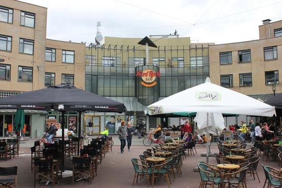 Hard Rock Cafe Amsterdam: The front entrance to Hard Rock Cafe.