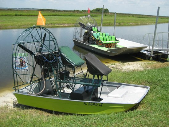 Wild Willy's Airboat Tours: The boats