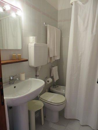 Hotel Fornaci: bagno