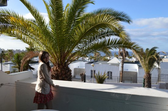 Apartamentos THe Morromar: A view of the coast from room 102