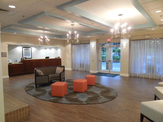 Homewood Suites by Hilton Montgomery: Hotel lobby