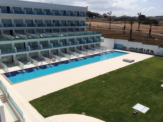 King Evelthon Beach Hotel Resort Swim Up Rooms