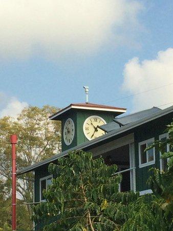 Hula Daddy Kona Coffee: Clock tower