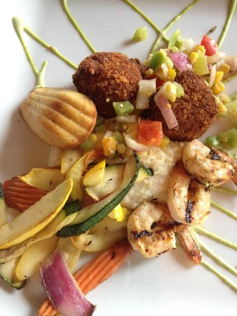 Harvest Grill: Crab cakes & grilled shrimp-n-grits with grilled vegetables with an avocado sauce