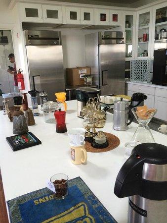 Hula Daddy Kona Coffee: Kitchen area