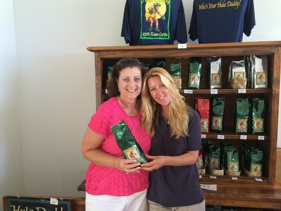 Hula Daddy Kona Coffee: Phyllis and Jessica