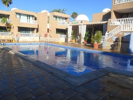 Parque de las Americas: Poolside
