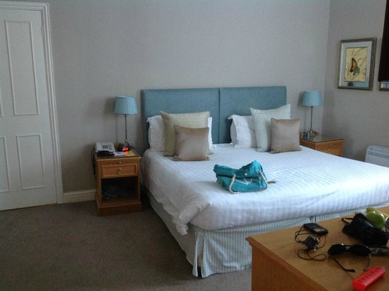 St. Brelades Bay Hotel : The double bed