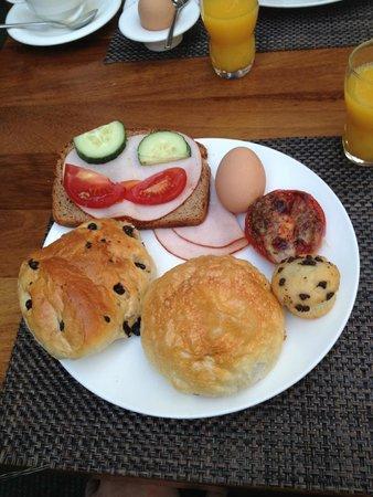 Lindner Hotel BayArena: breakfast