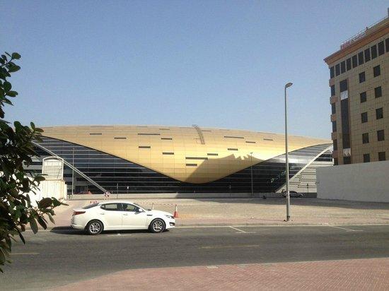 Cassells Al Barsha Hotel : Метро рядом