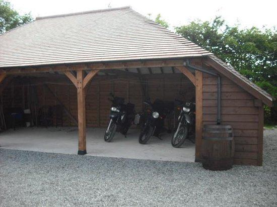 Moyglare Lodge Country House: bike accomodation