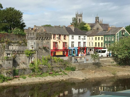 Kilkenny River Court Hotel: view of town from our balcony (view to the right)