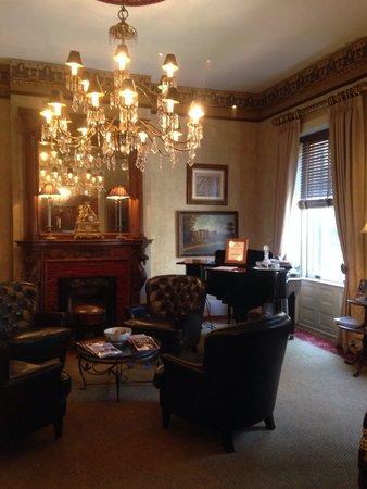 Foley House Inn: Lounge