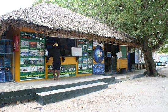 Dreams La Romana Resort & Spa : GRI GRI Divers booking centre