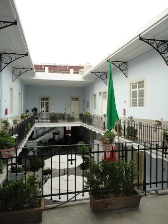 Casa San Ildefonso Hostal: View from 1st floor