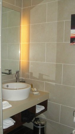 Hilton Garden Inn Kutahya: идеальная ванная комната