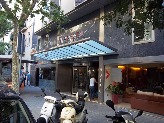 Acevi Villarroel: hotel