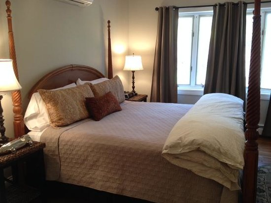 Marblehead Inn: Bedroom 5