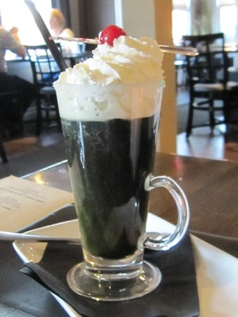 Simplicity Bistro: After 8 specialty coffee made with creme de menthe
