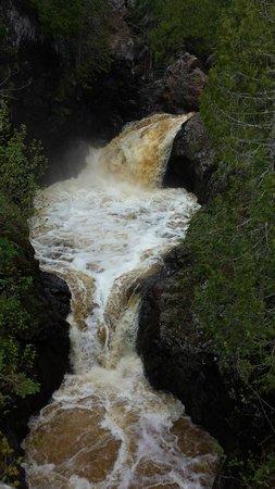 Cascade River State Park : Cascade Falls