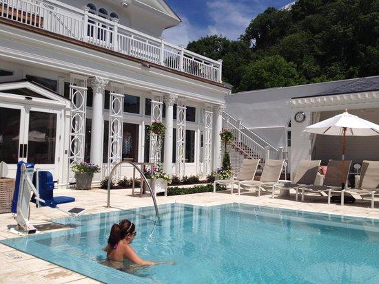 The Omni Homestead Resort : Spa pool.