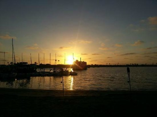 Bahia Resort Hotel: Sunset at the Carnaval Bahia Beach