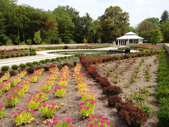 Lakeside Chautauqua: The Memorial Gardent At Chautauqua Park