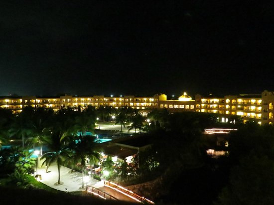 Hacienda Tres Ríos: View of main building from the roof of Herencia