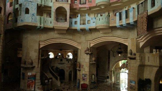 Lella Baya: вестибюль отеля