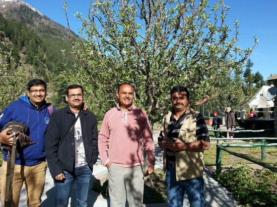 Banjara Camp &  Retreat - Sangla Valley Camp: With mr.sood at the camp