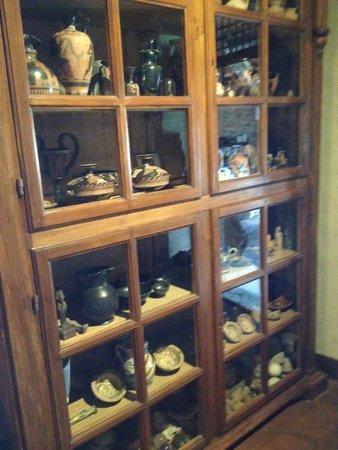 Castelletto di Montebenichi : Pottery Collection