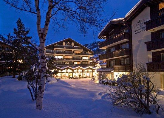 Hotel Mirabeau: Mirabeau in winter