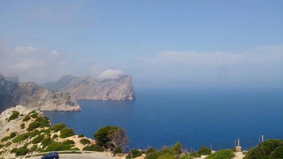 Cap de Formentor con una ligera niebla