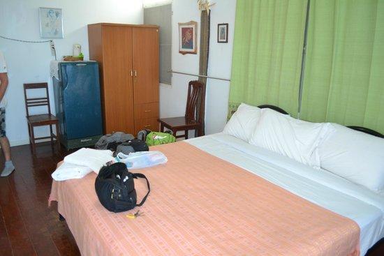 Chabakaew Guesthouse: chambre
